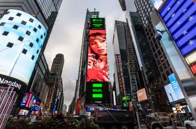 Princesa Alba en Times Square